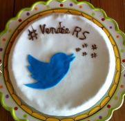 Merci à Viriginie pour sa superbe création, elle remporte le concours de cake organisée pour cette soirée !